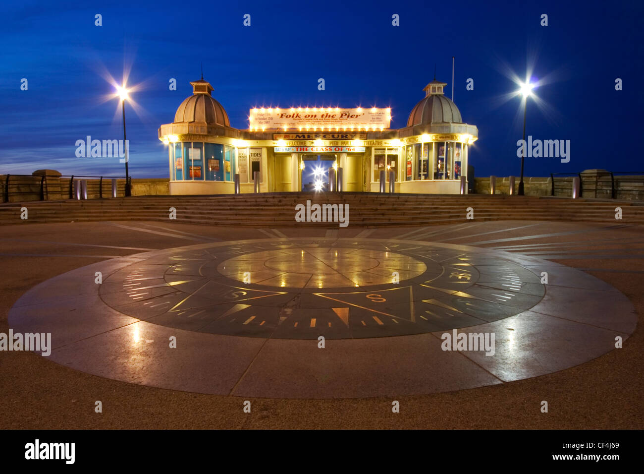 Entrance To Pier Stock Photos & Entrance To Pier Stock Images - Alamy