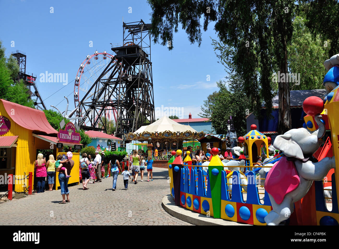 Gold Reef City >> Coal Winding Gear And Children S Rides At Gold Reef City Theme Park