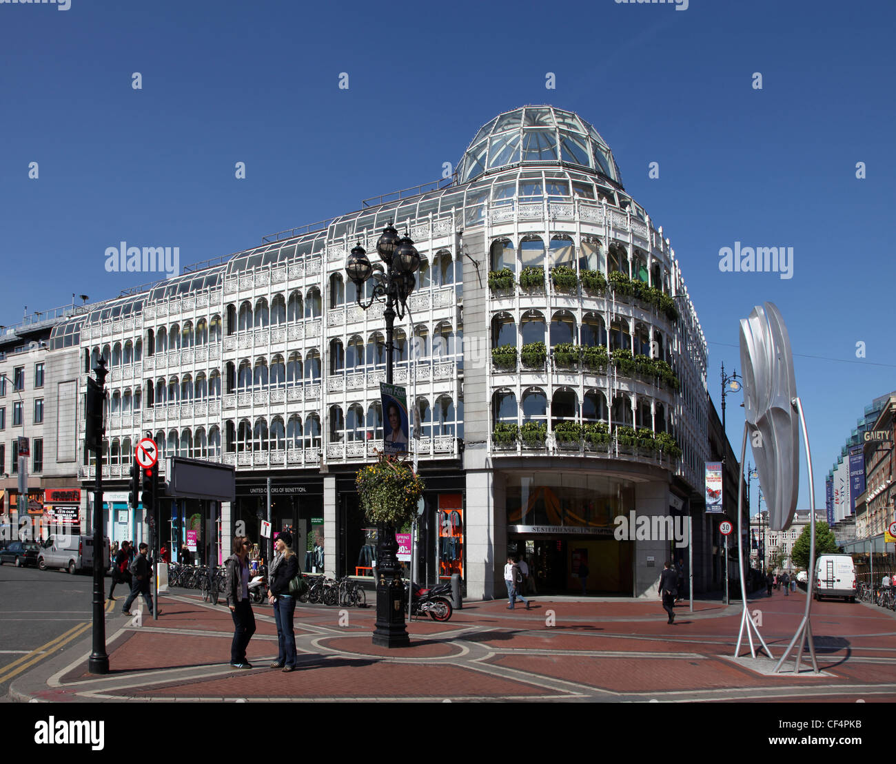 Stephen's Green Shopping Centre, centrally located in the heart of the most prestigious shopping area of Dublin Stock Photo