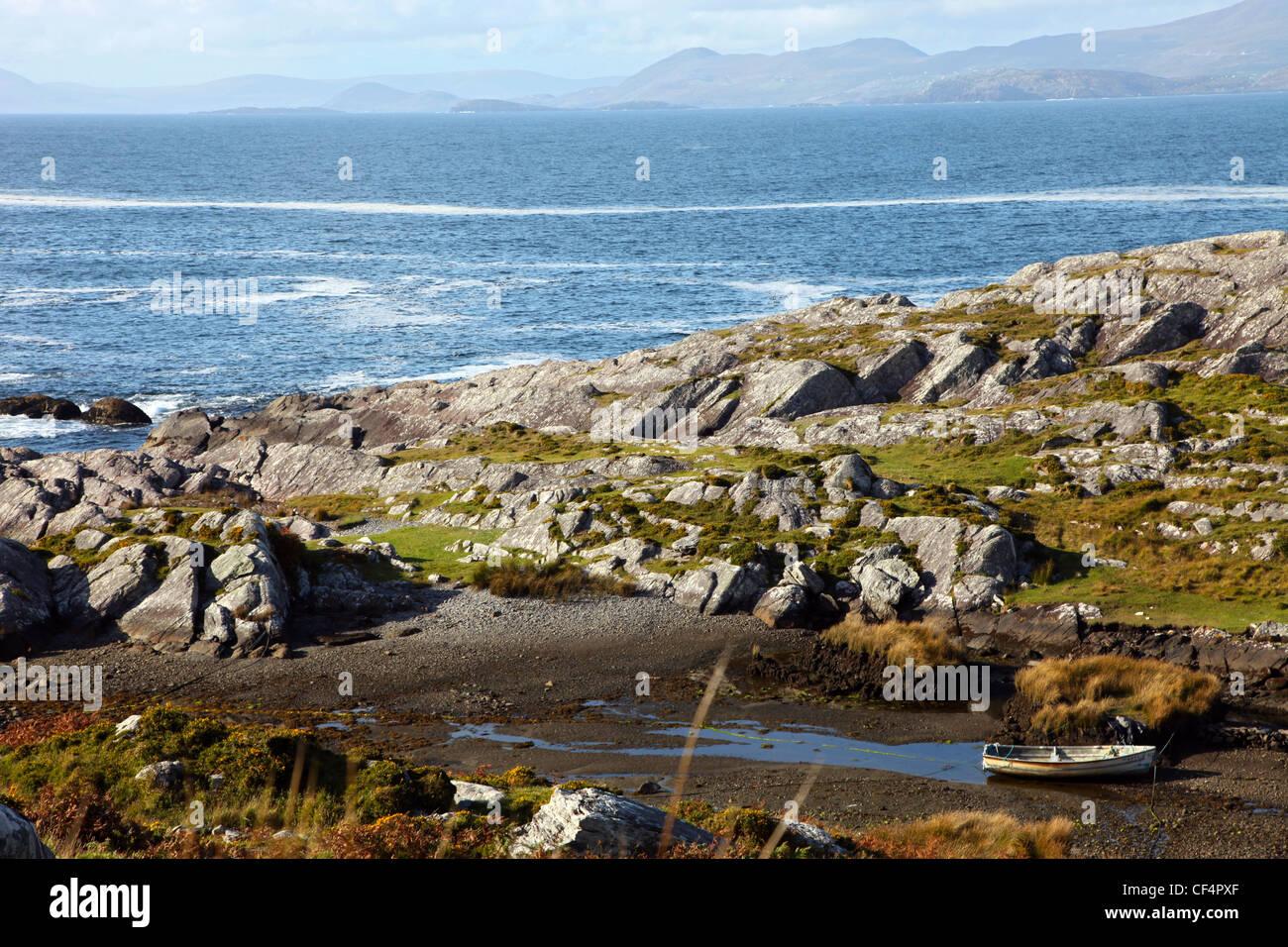 Rugged coastline of the Beara Peninsula on the south-west coast of Ireland. - Stock Image