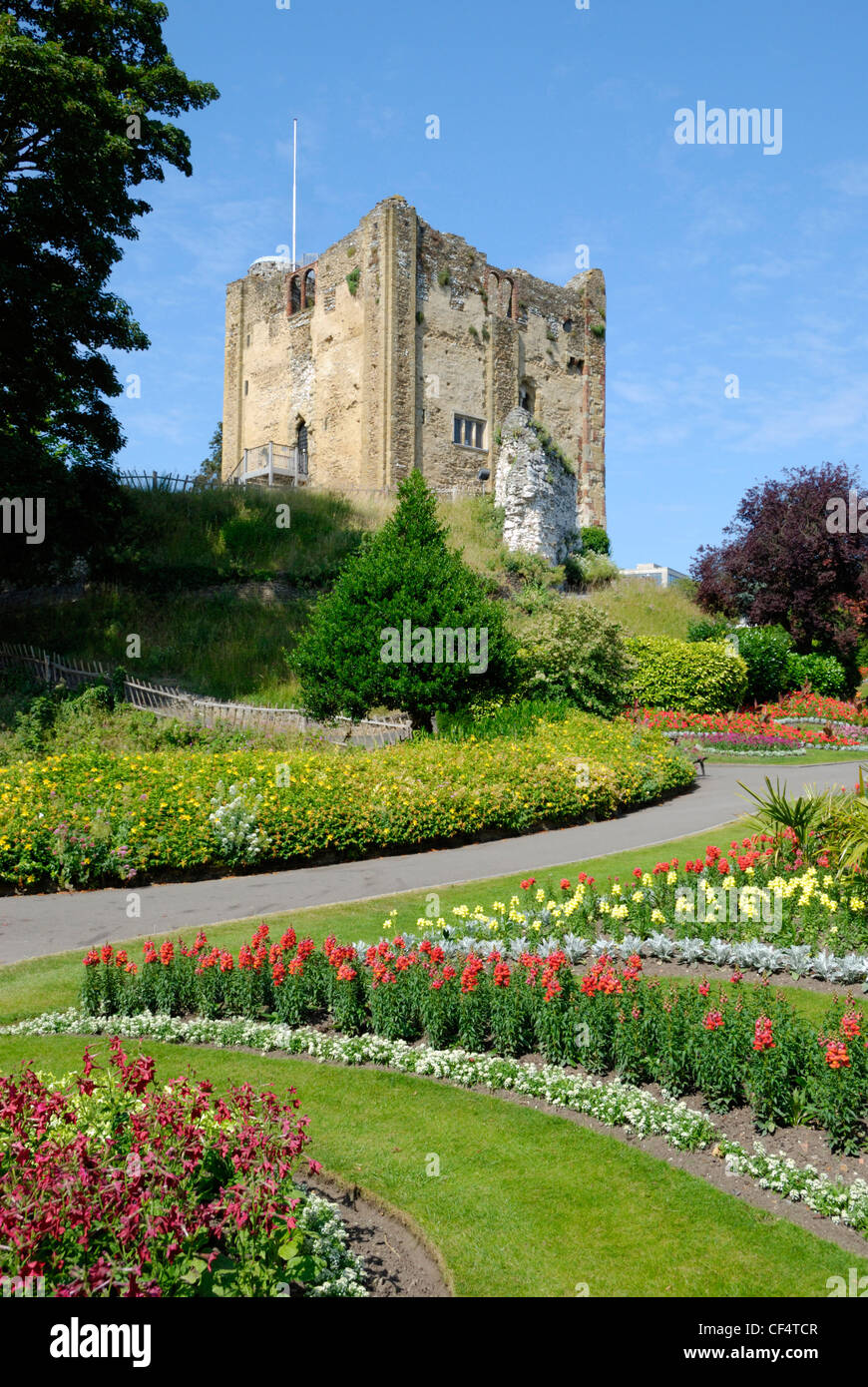 Guildford Castle tower keep and gardens. The castle started out as a Norman motte and bailey castle, built soon - Stock Image