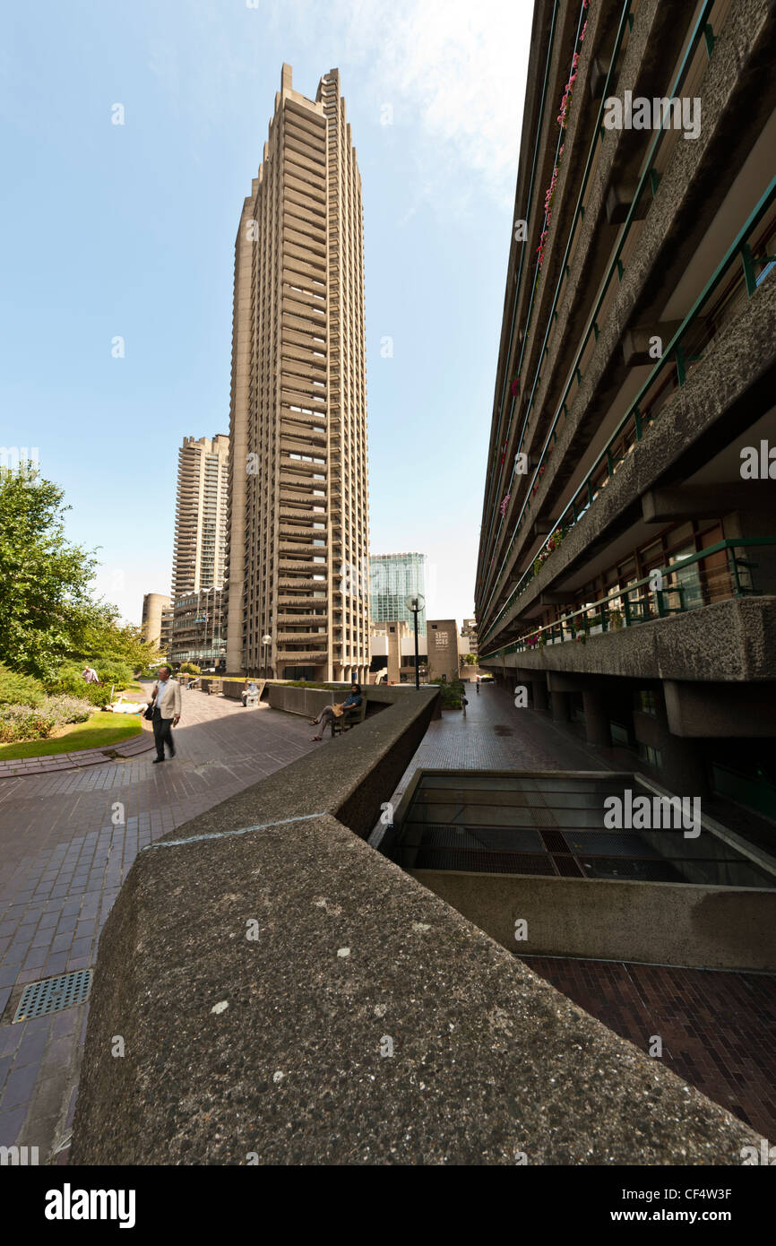 View from high level walkway towards Shakespeare Tower, one of London's tallest residential towers, with detail - Stock Image