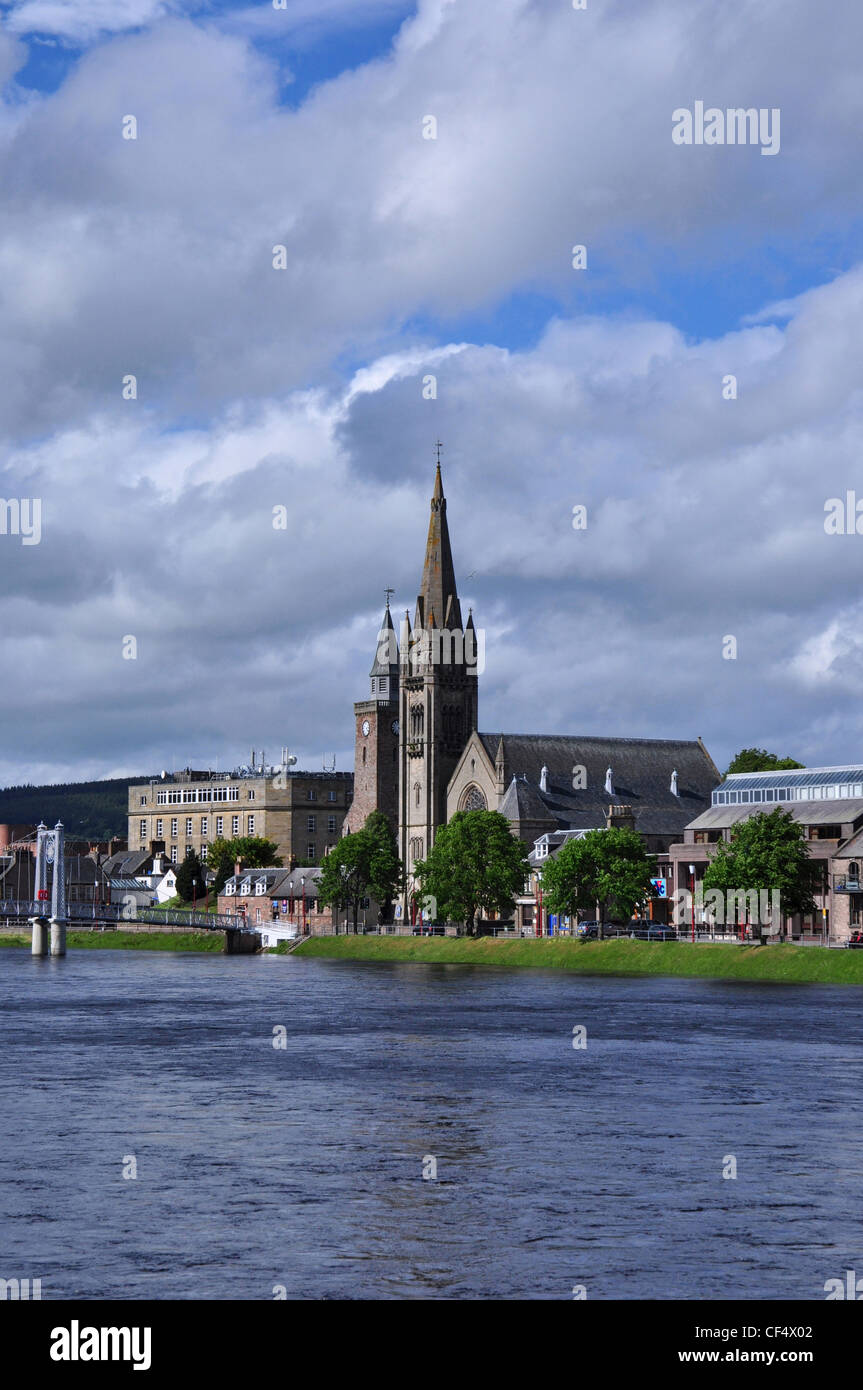 The Old High Church, North Free Church and suspension Bridge over River Ness, Inverness, Scotland. - Stock Image