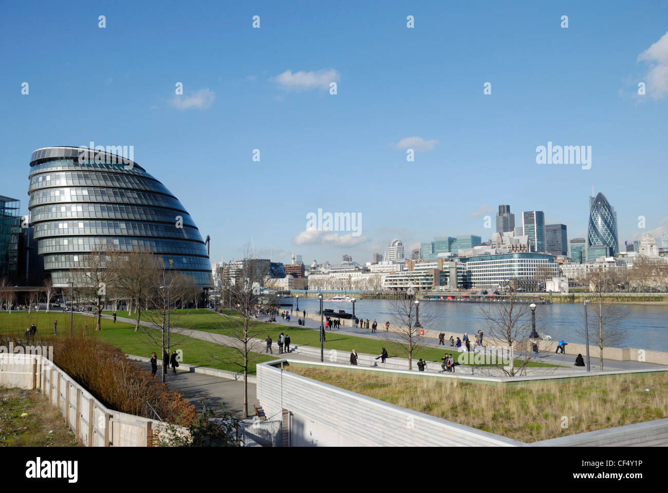 City Hall, home of the Greater London Authority (GLA) on the south bank of the River Thames opposite the City of - Stock Image