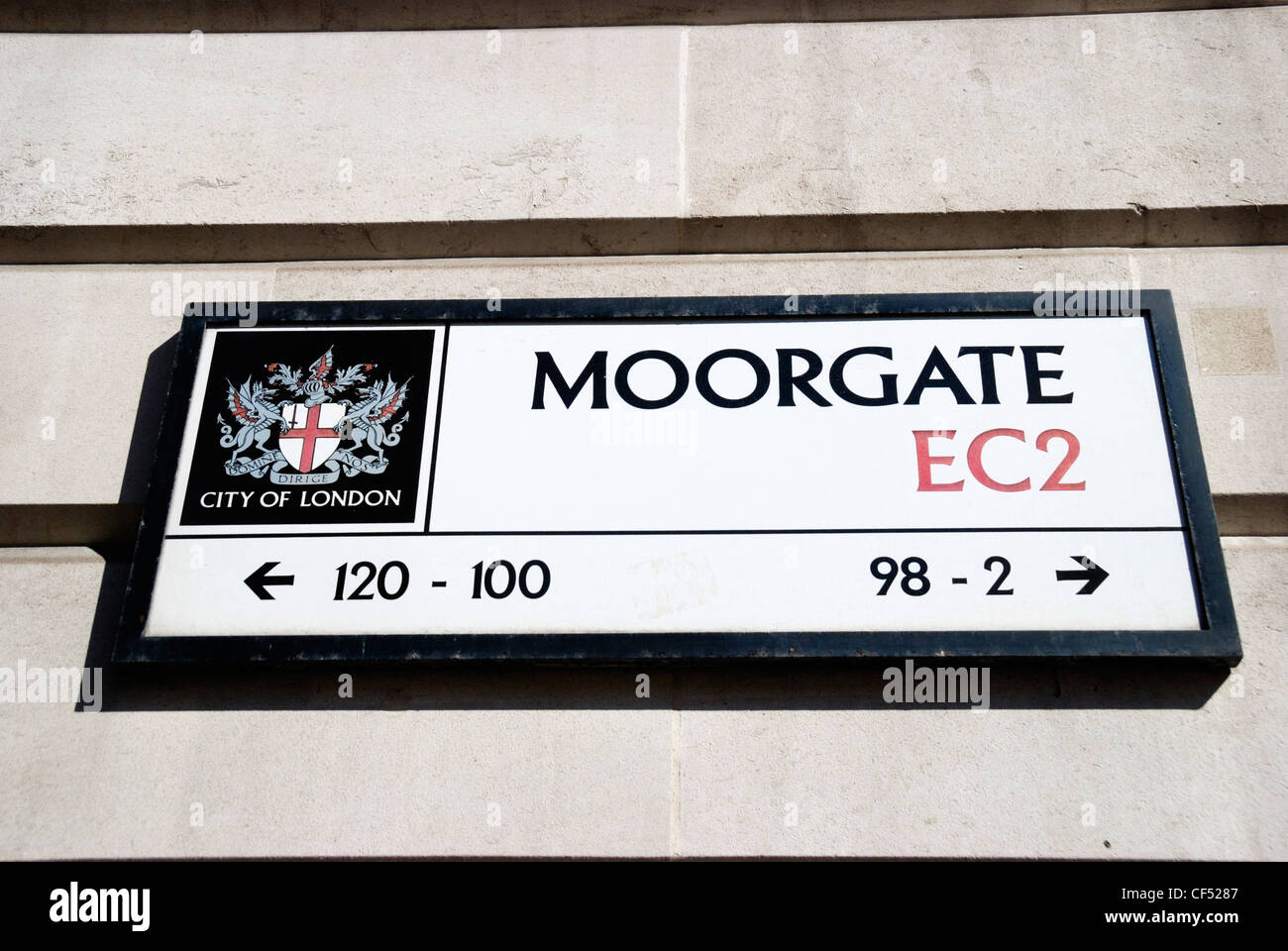 Moorgate EC2 sign featuring the City of London crest. - Stock Image