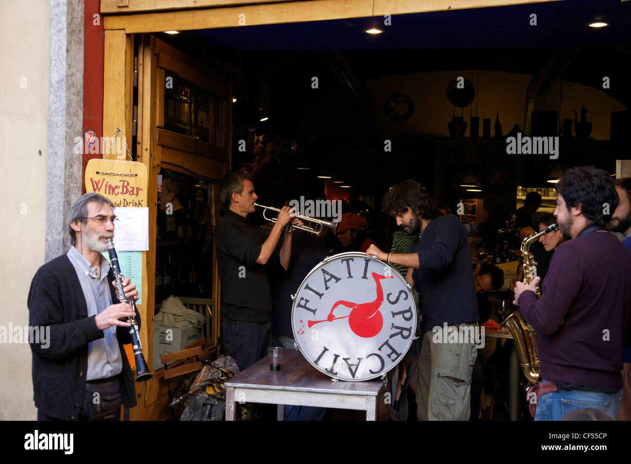 Fiati Sprecati, popular street band, perform in bar in Florence, Tuscany, Italy, Europe - Stock Image