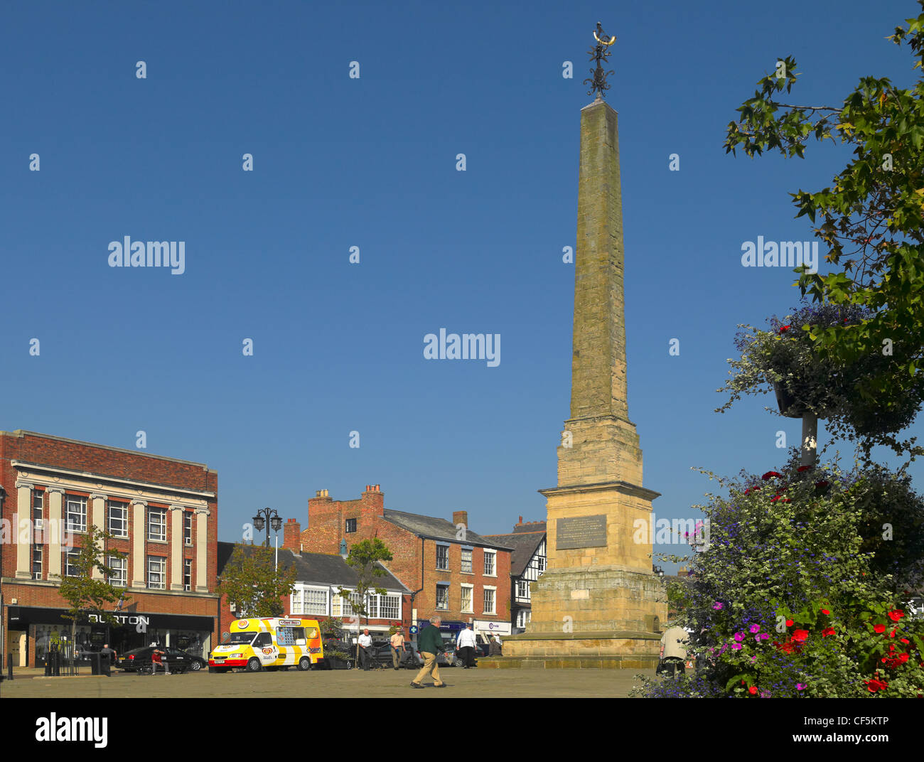 The Obelisk in the Market Place, built in 1703 to replace a Market Cross. Ripon is the 4th smallest city in England. - Stock Image