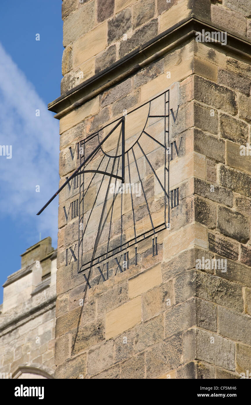 A sun dial on the South transept of Ripon Cathedral. - Stock Image