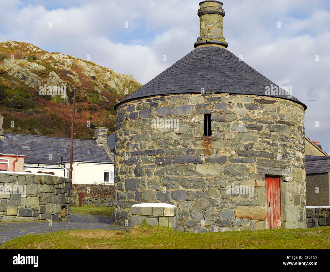 Ty Crwn ('Round House'), built as a lock-up to detain offenders as they waited to be transferred to court - Stock Image