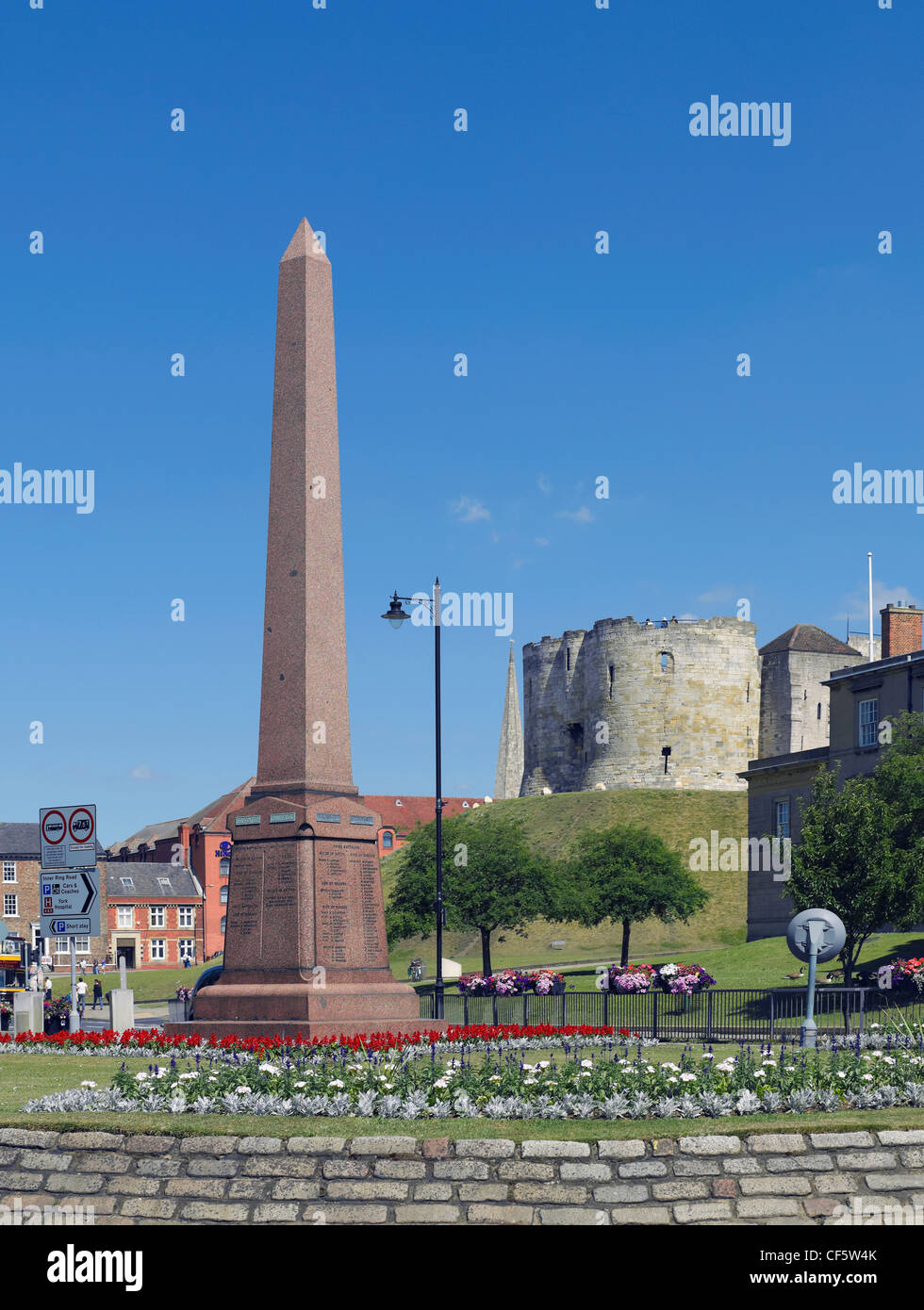 Boer War Memorial to the Green Howards Regiment and Cliffords Tower. - Stock Image
