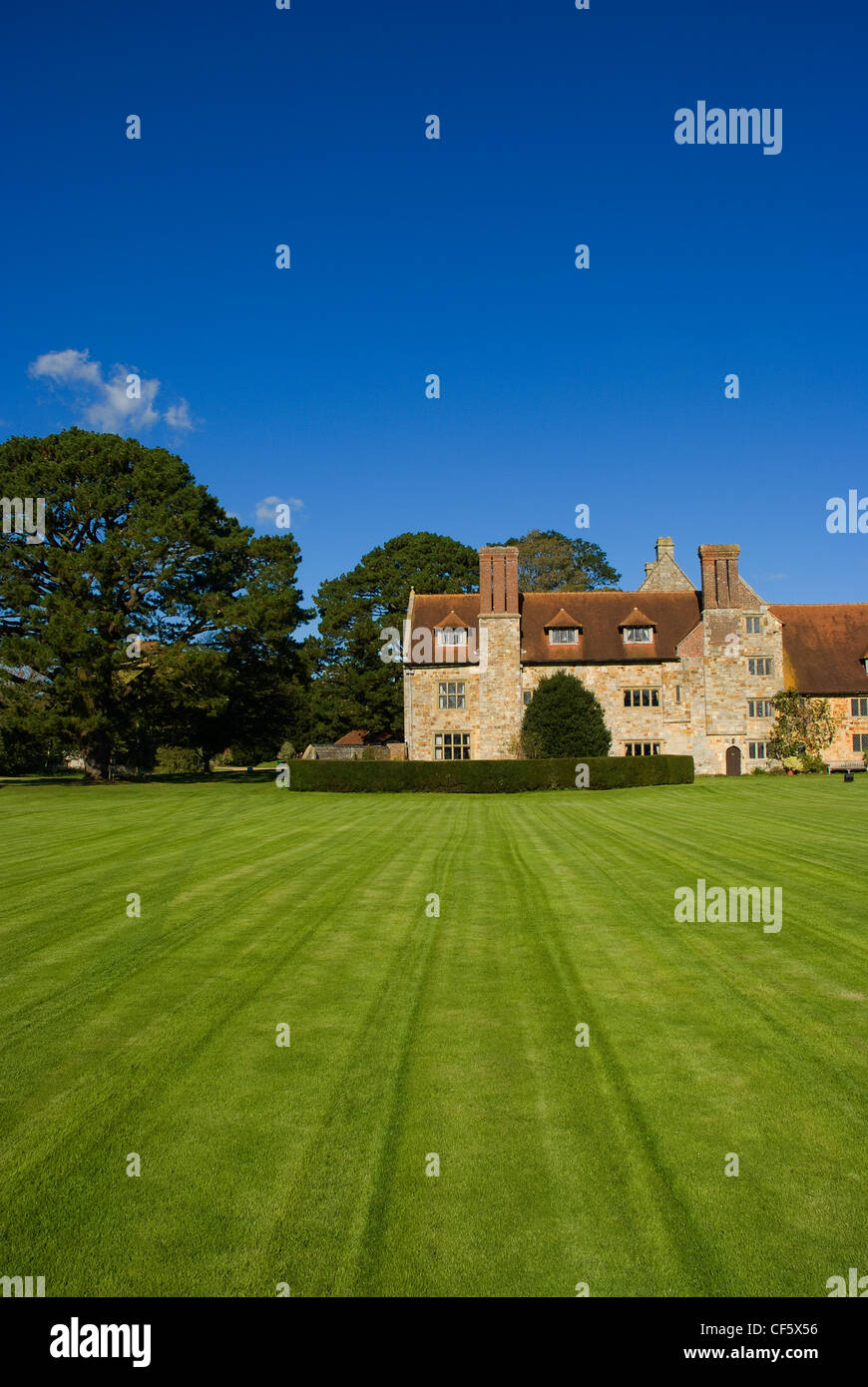Michelham Priory and Gardens, a tudor mansion that evolved from a former Augustinian Priory. - Stock Image