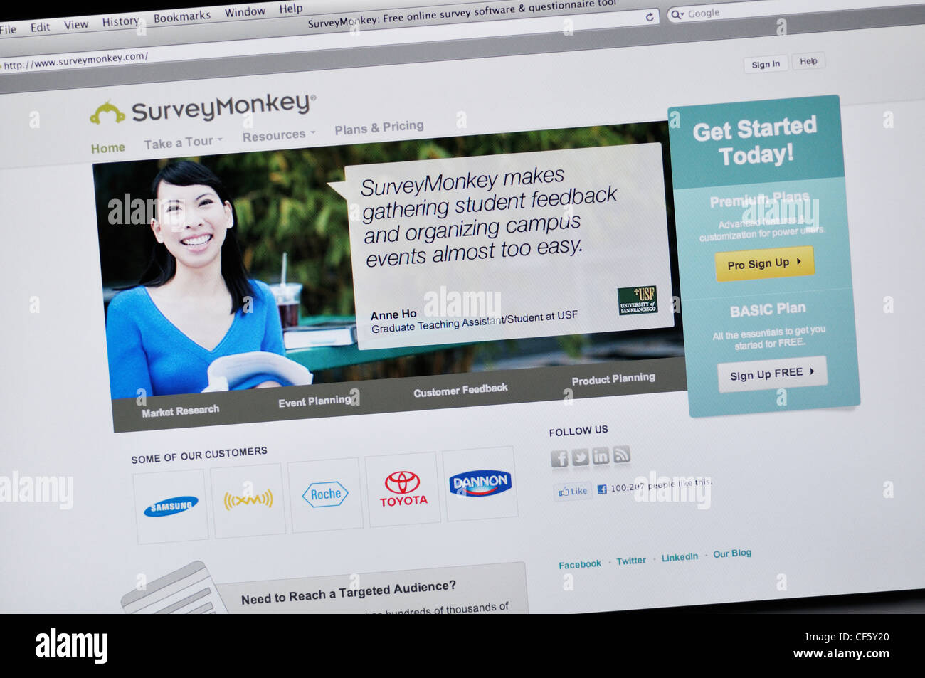 Survey Monkey website - Free online survey software & questionnaire tool - Stock Image