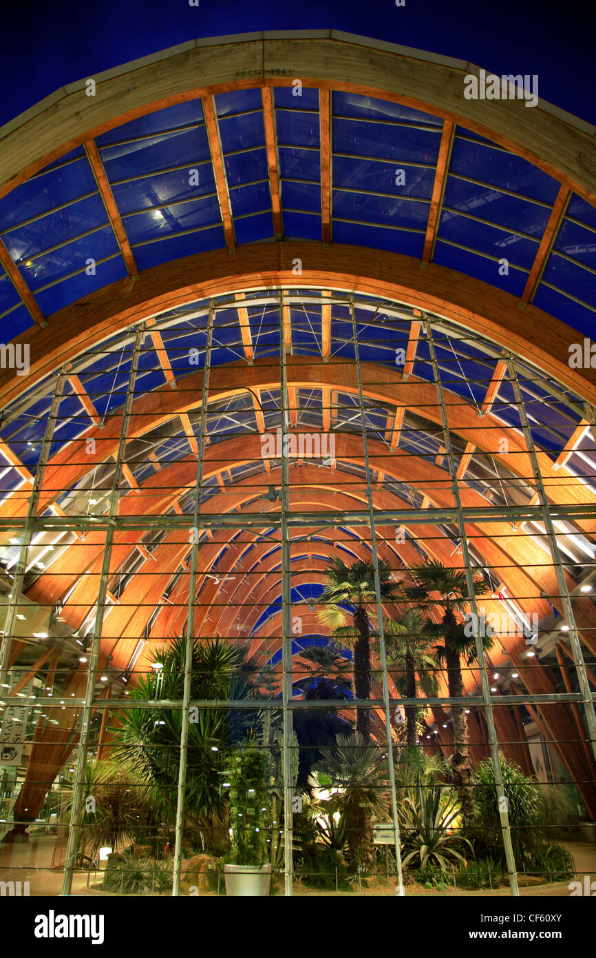Largest Glass Greenhouse Stock Photos & Largest Glass Greenhouse ...