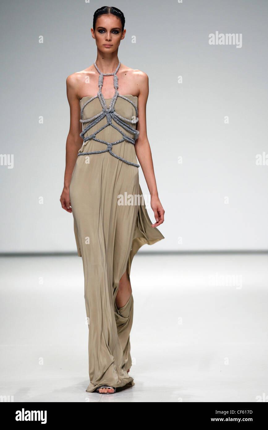 Grecian Dress Stock Photos & Grecian Dress Stock Images - Alamy