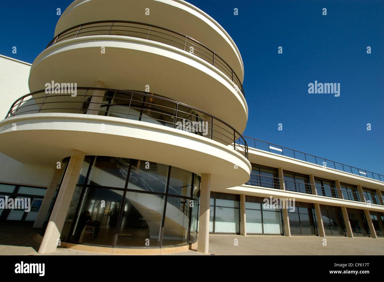 Exterior of the De La Warr Pavillion. The 'art deco' building was designed by Eric Mendelsohn and Serge - Stock Image