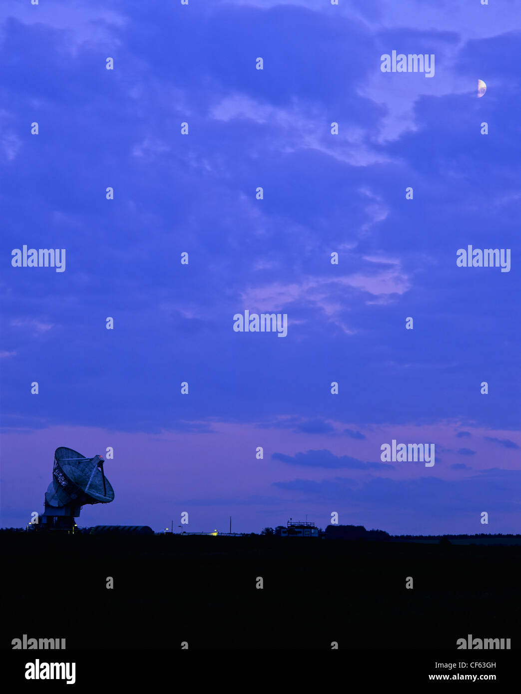The world's largest fully steerable meteorological radar at Chilbolton Observatory. - Stock Image