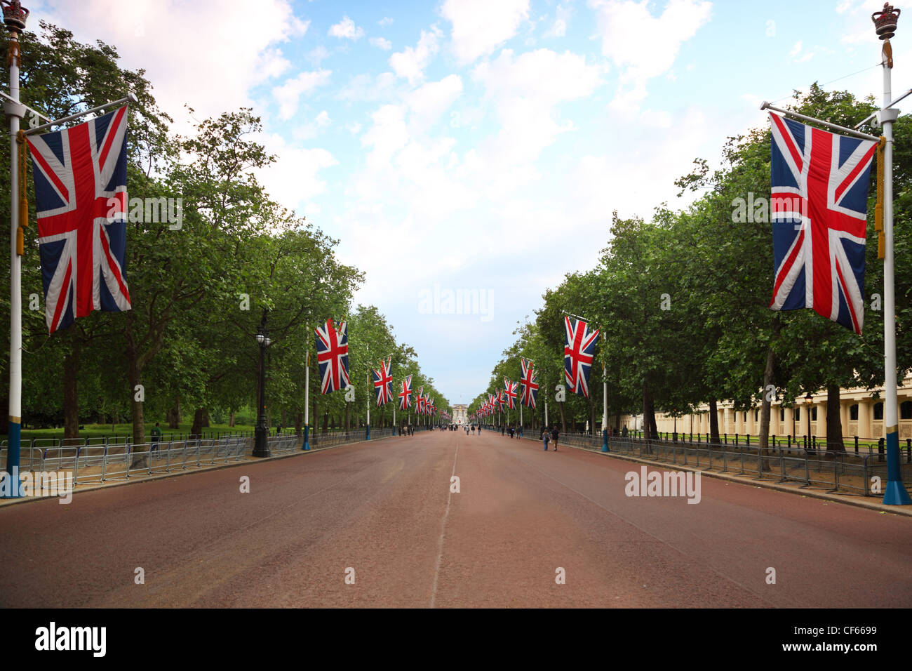 Alley Mall Buckingham Palace Are Seen In The Distance Right And Left Of Hang British Flags