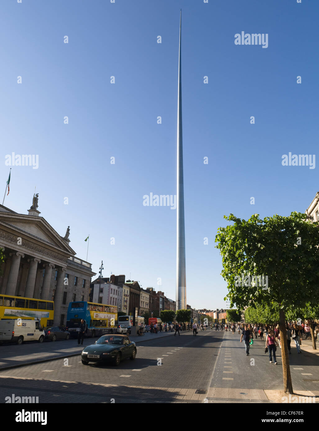 The Spire of Dublin, officially titled the Monument of Light, was completed in 2003 as part of a regeneration project - Stock Image