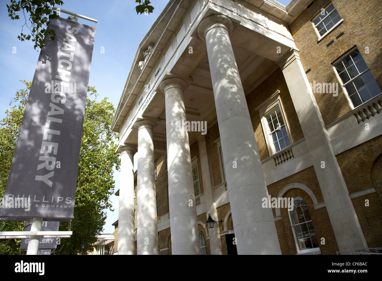 The entrance to The Saatchi Gallery. - Stock Image