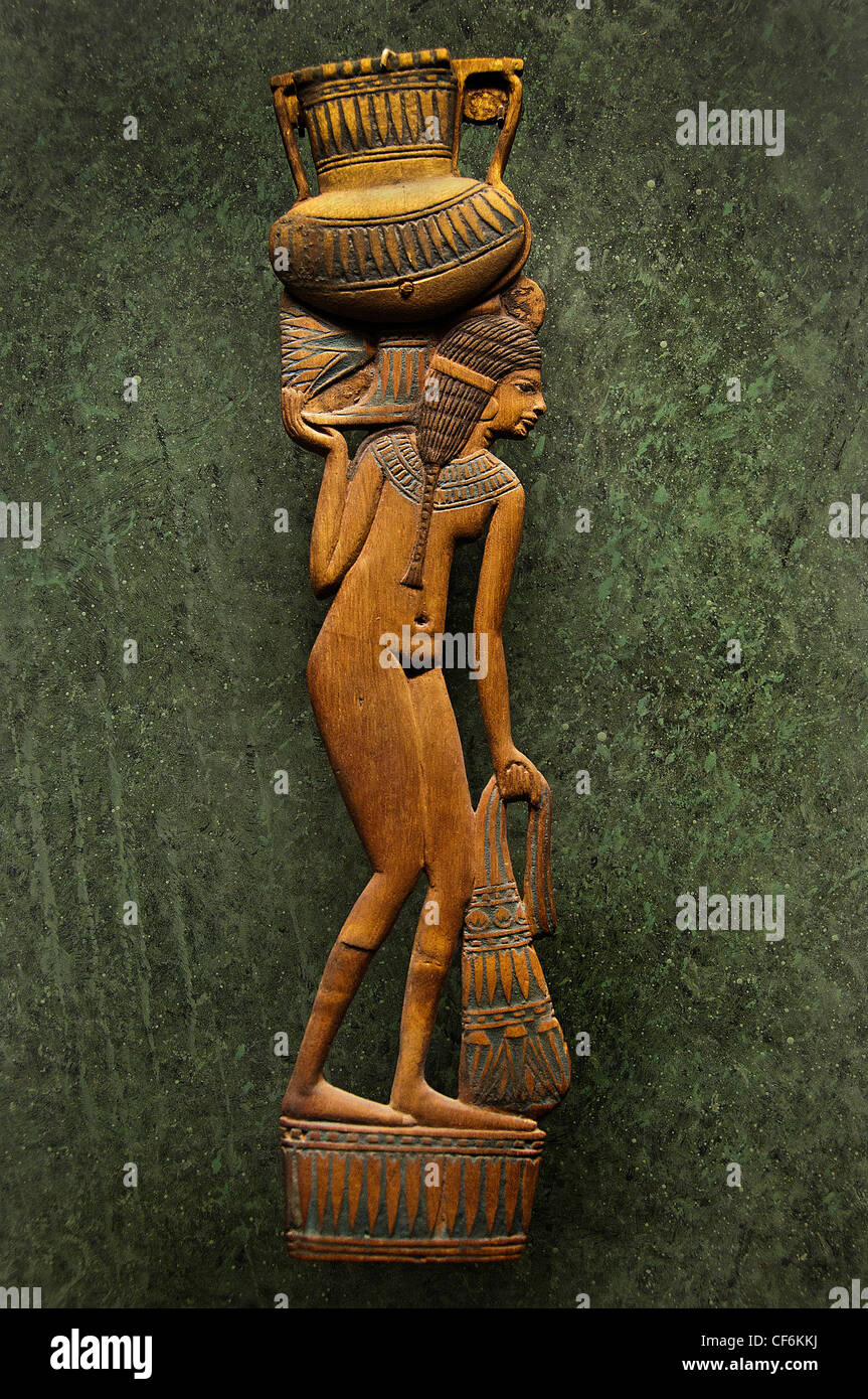 Ancient Egyptian Cosmetic Spoon Egypt Wood New Kingdom Dynasty 18  XVIII 1391-1353 BC - Stock Image