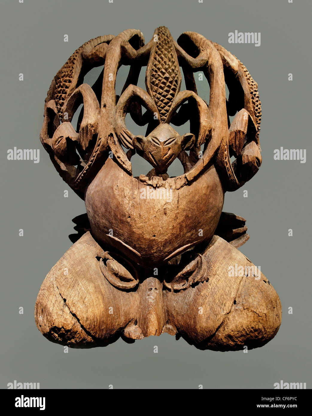 Mask Royal Society tukah  Bamendu or Bamendoe  sculpture 18 th century Cameroon Africa - Stock Image