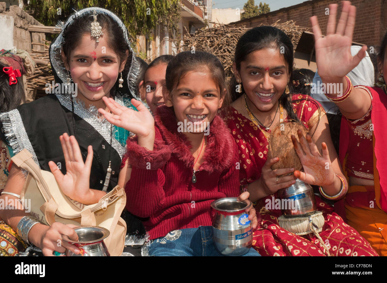 Girls taking part in a procession in Bhuj, Kutch, Gujarat, India - Stock Image