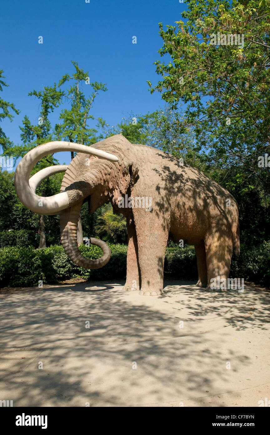 Statue of Mammoth in a park in Barcelona - Stock Image