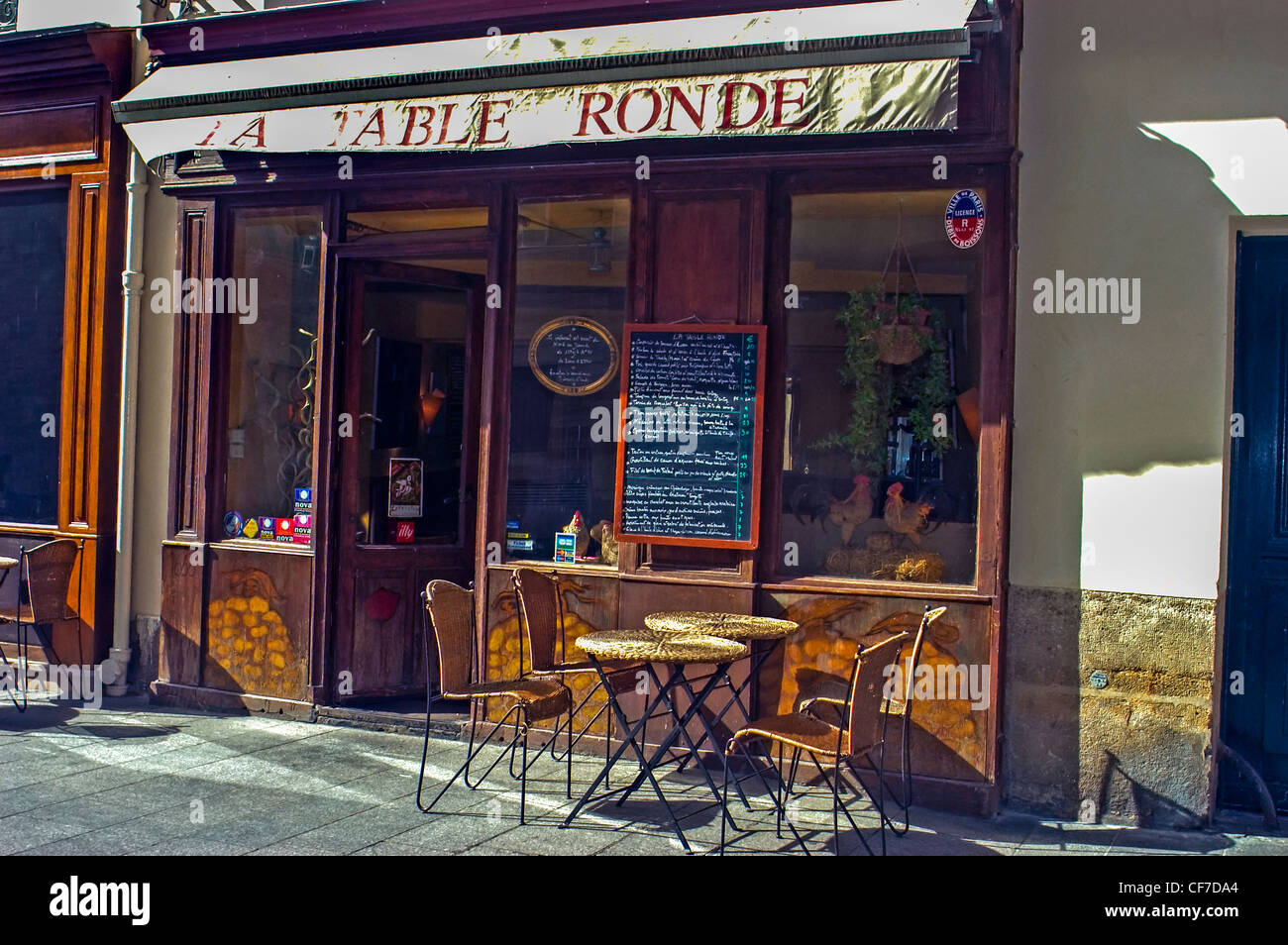 Old french bistro restaurant stock photos old french - Restaurant la table ronde marseille ...