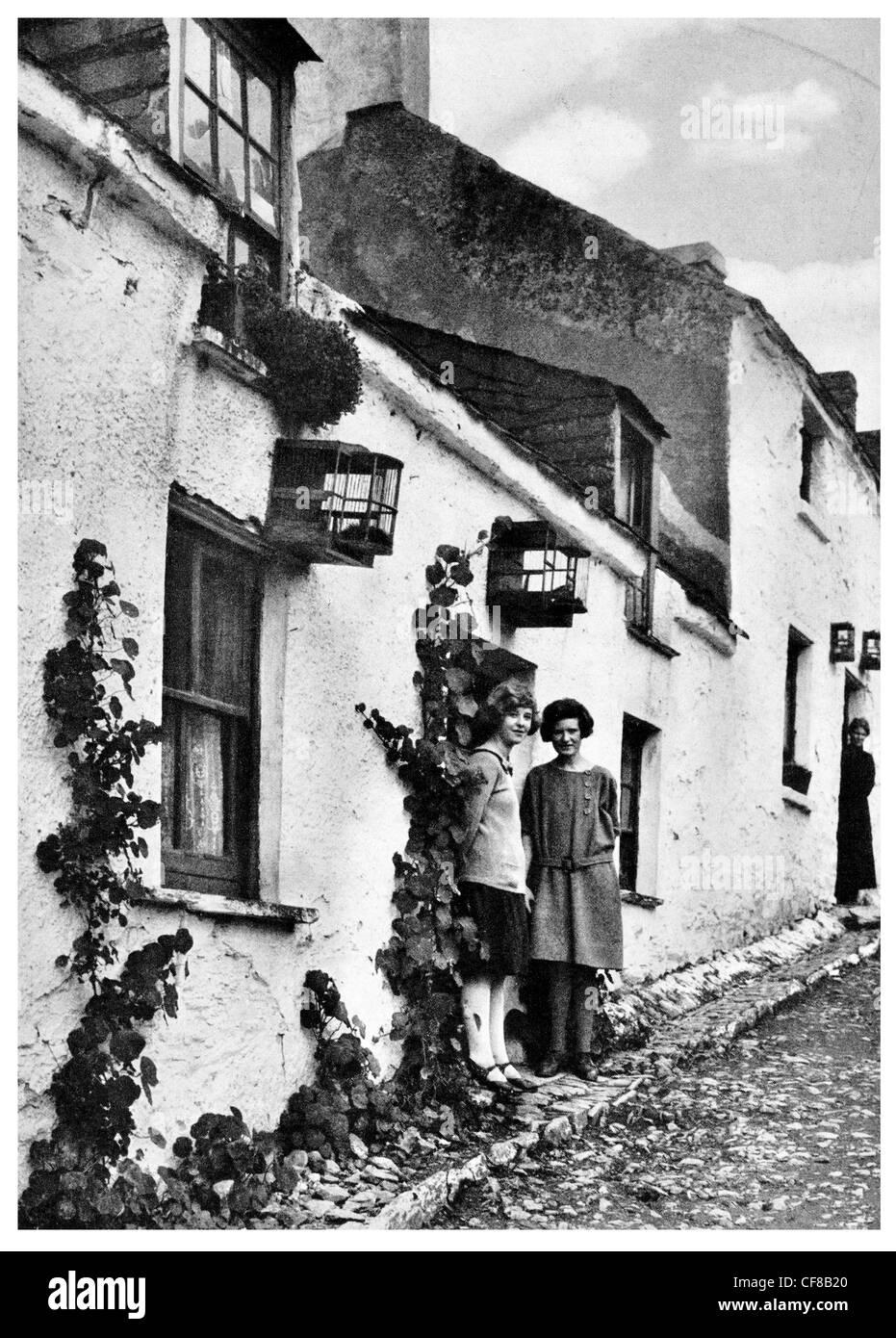 1927 Vine Clad House Cobh Hillside Street Eire - Stock Image
