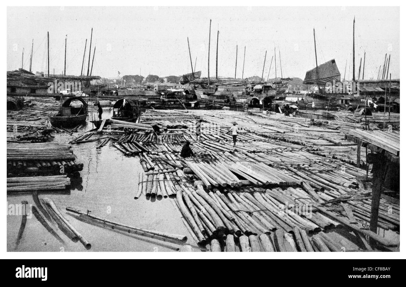 Rafts pearl River in Canton tree timber 1927 - Stock Image
