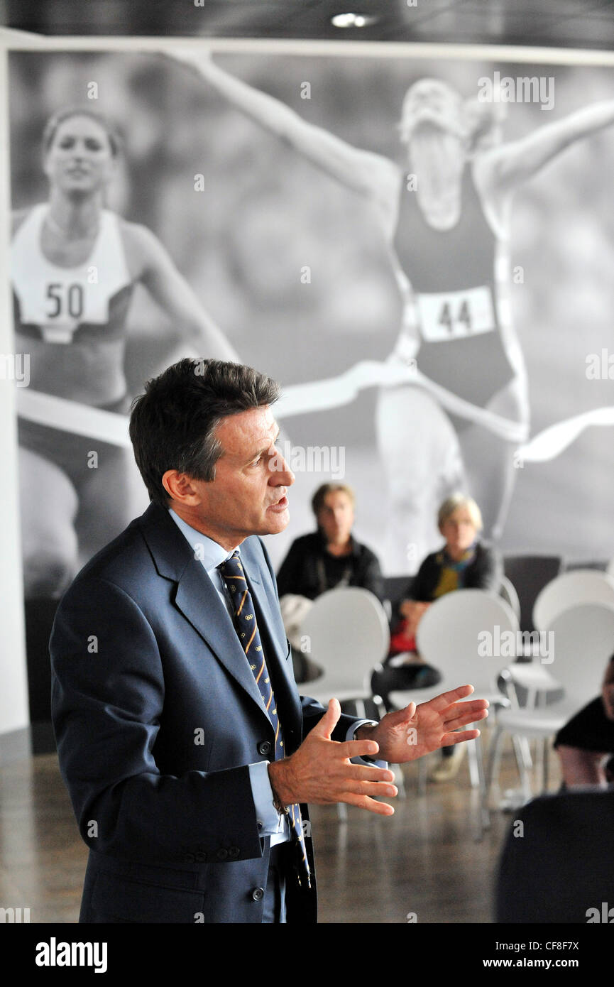 Sebastian Coe discusses the Olympics 2012 - Stock Image