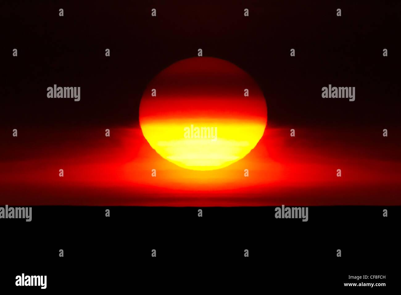 sunset full sun - Stock Image