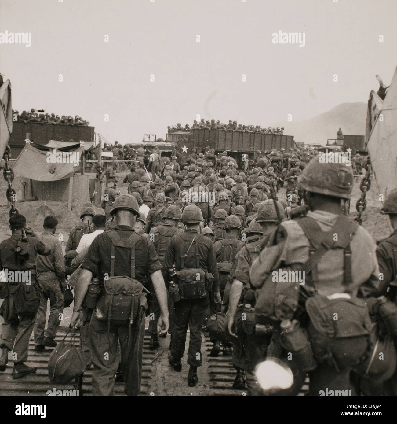 Arrival of the U.S. 1st Cav Div (Air Mobile) in Vietnam. The 15,800 men and 424 helicopters and planes disembarked - Stock Image