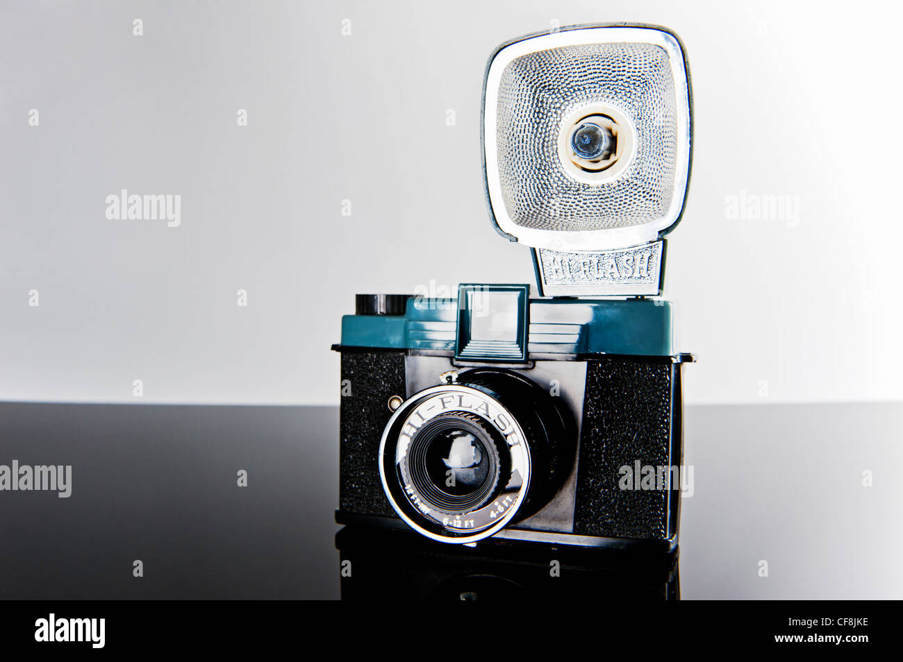 Vintage Diana Camera clone Hi-Flash Diana style 1960's Diana F Chinese plastic120 film Camera with flash - Stock Image