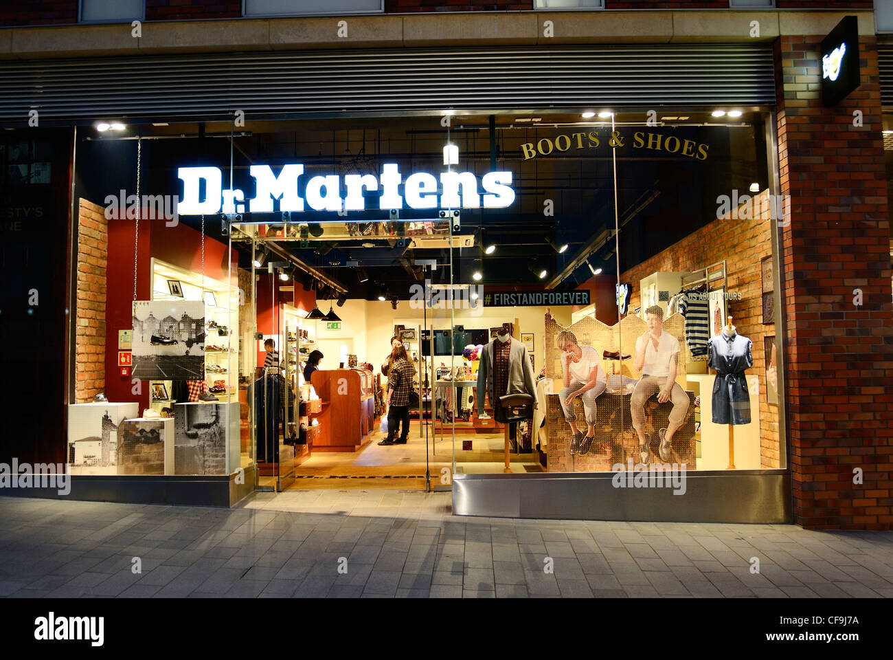 30a1a2c2f7 Dr. Martens store in Liverpool One Stock Photo: 43852462 - Alamy