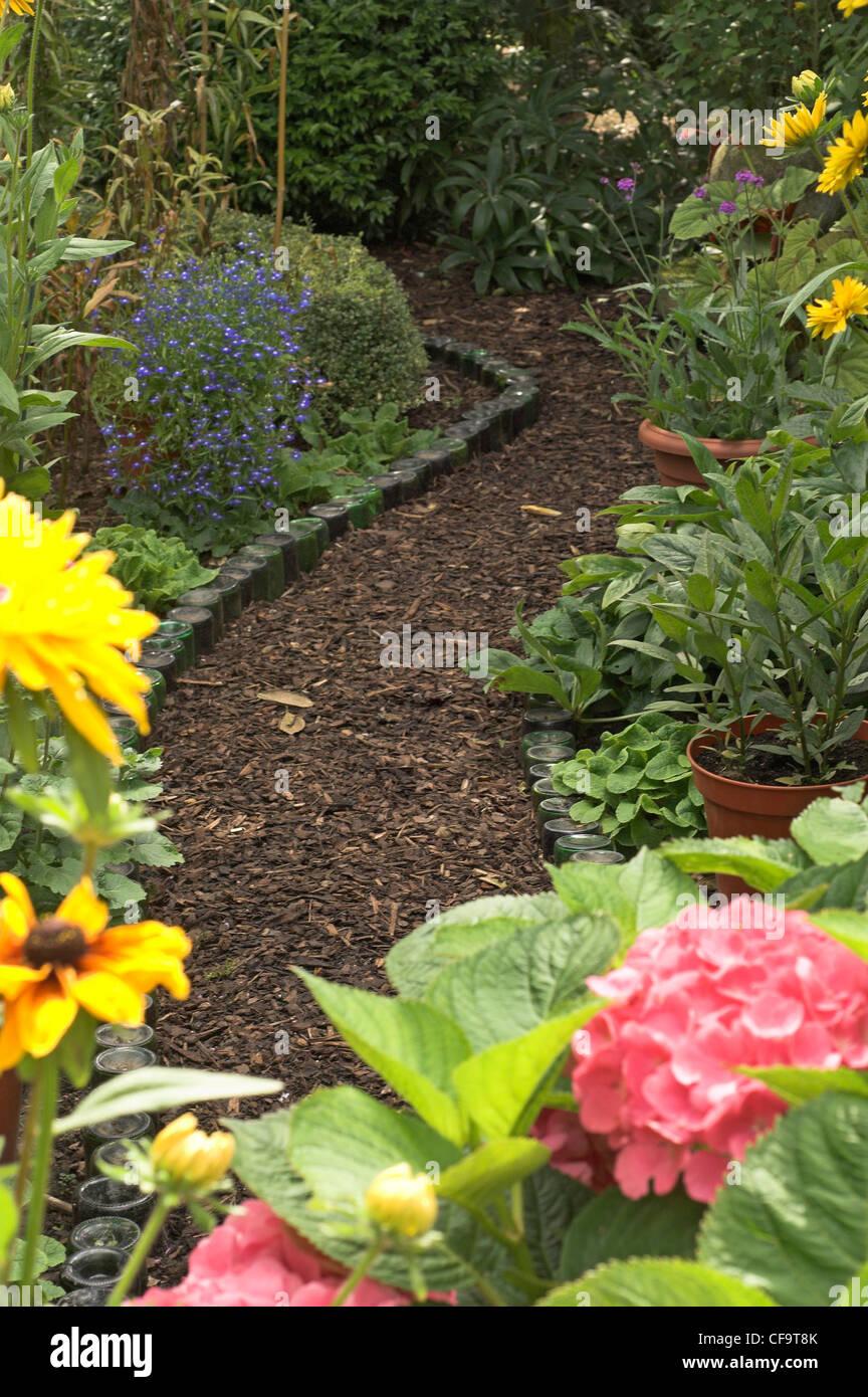 Meandering Garden Path Stock Photos & Meandering Garden Path Stock ...