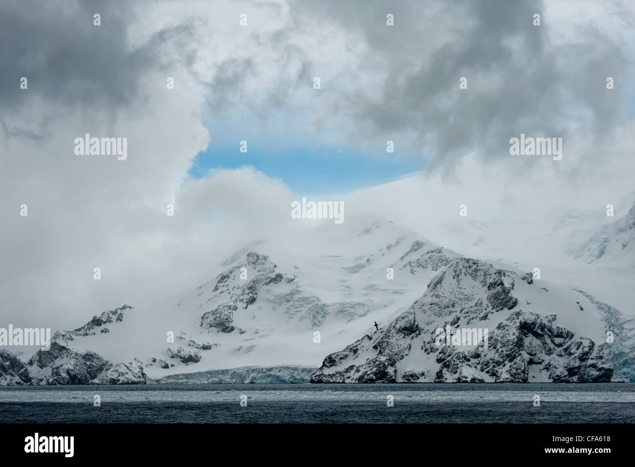 South Orkney Islands, Snow covered mountains, Southern ocean - Stock Image