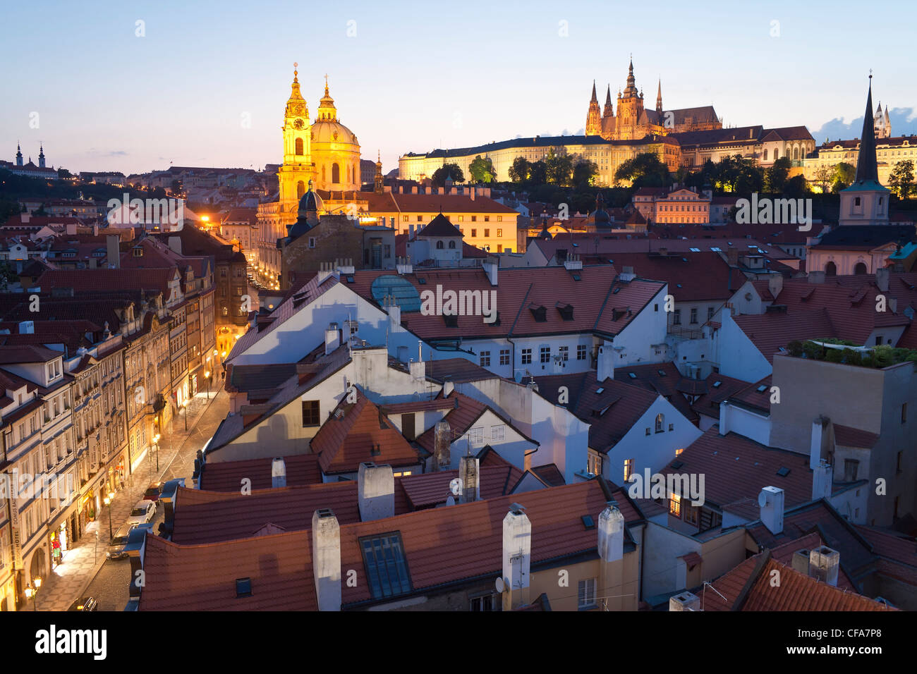 St. Vitus Cathedral and the Castle District at dusk, Prague, Czech Republic Stock Photo