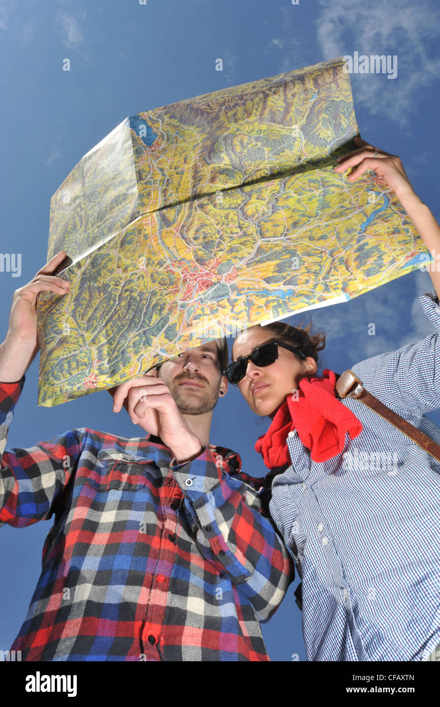 Walking, Hiking, traveller, traveling shoes, profile, map, card, field glasses, meadow, pair, couple, orientation, - Stock Image