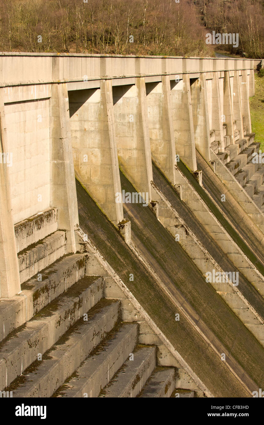 Damn at Thruscross reservoir, North Yorkshire which feeds into the Washburn river. - Stock Image