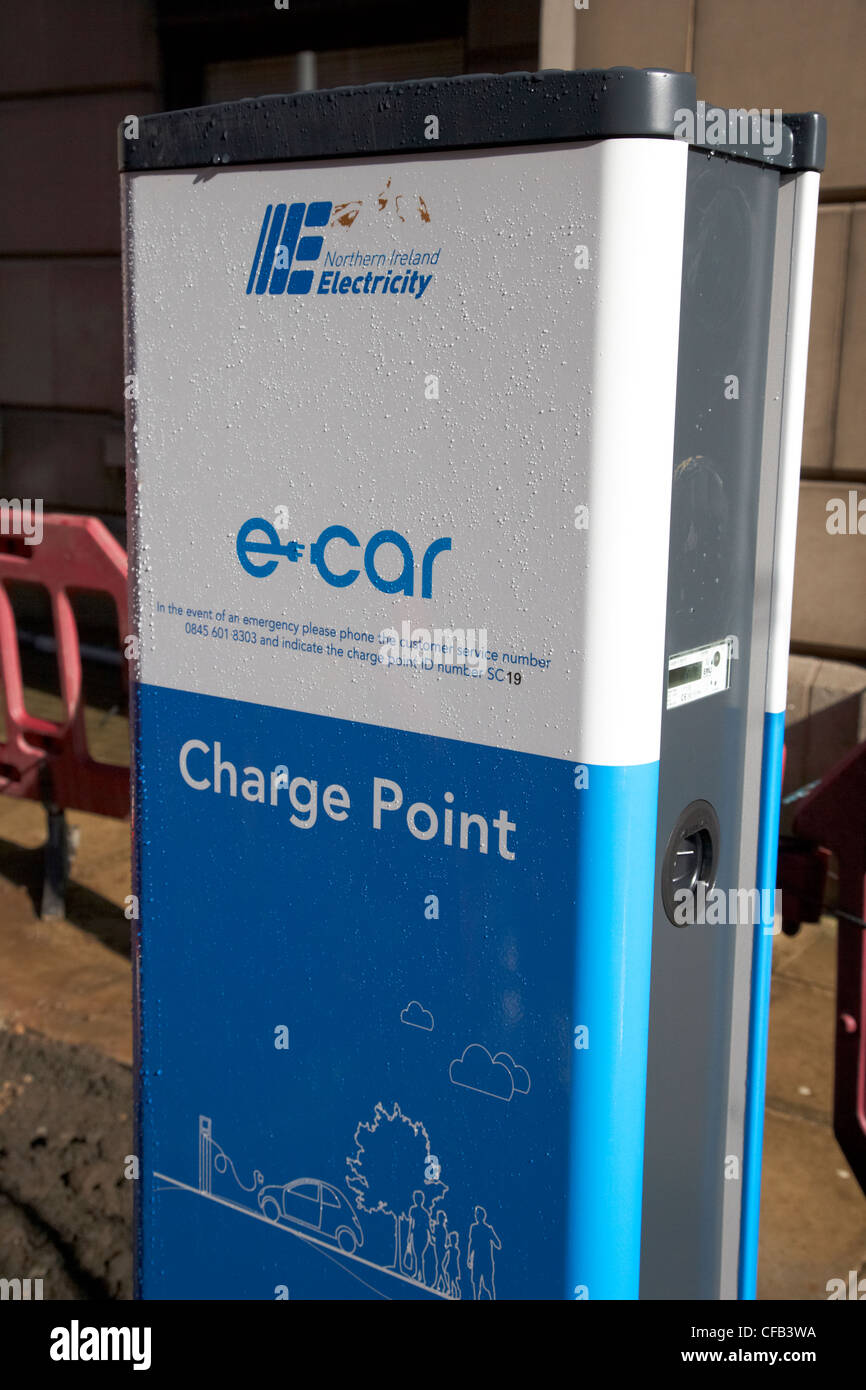 installation of new e-car northern ireland electricity electric car charge point Belfast Northern Ireland UK - Stock Image