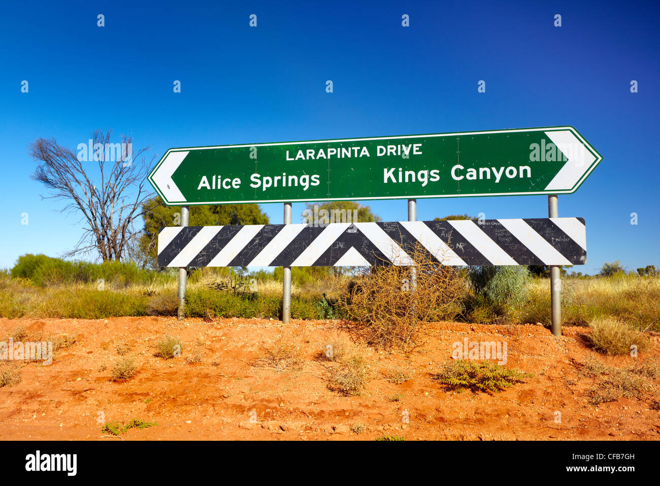 Larapinta Drive directional sign for Alice Springs and Kings Canyon, Australia - Stock Image