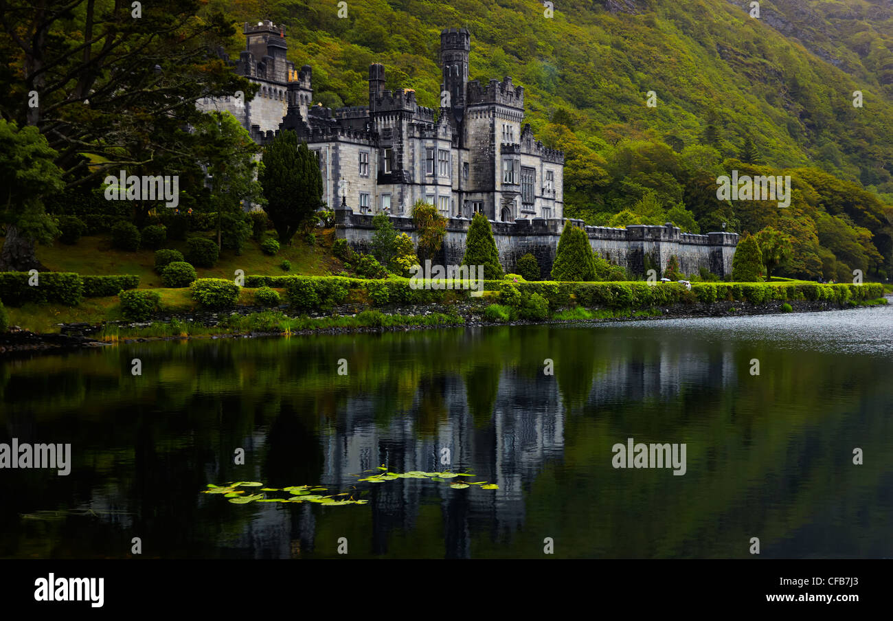 Overcast view of Kylemore Abbey in summer, Ireland. - Stock Image