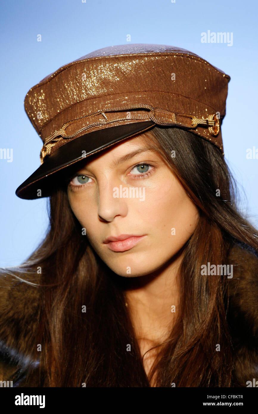 Hermes Paris Ready to Wear Autumn Winter Glittery gold baker boy cap ... 923379cc0ff