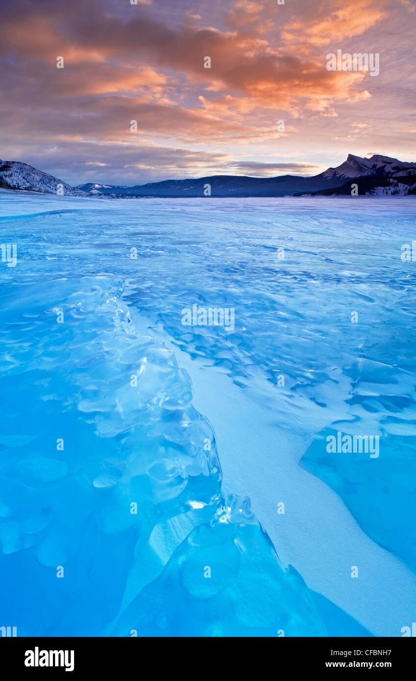 Abraham Lake in winter at Windy Point, Kootenay Plains, Bighorn Wildland, Alberta, Canada - Stock Image