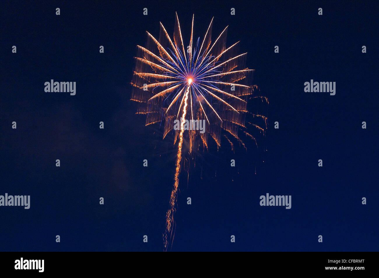 Fires, fireworks, pyrotechnics, rocket, rays, beams, explode, explosion, sky, darkly, sky, brightly, illuminates, - Stock Image
