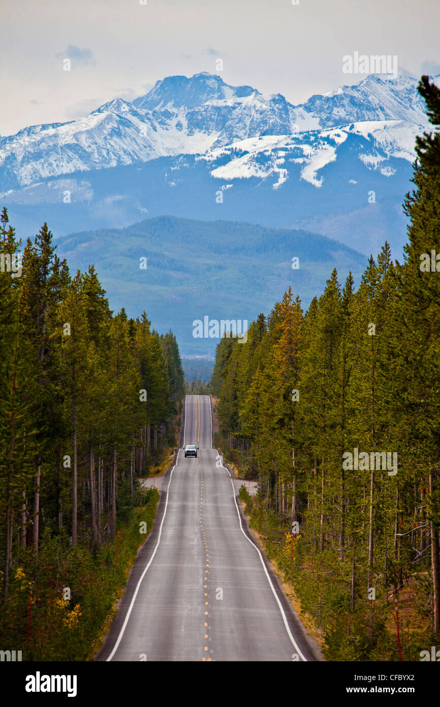 USA, United States, America, Wyoming, Yellowstone, National Park, Yellowstone drive, mountains, park, road, snow, - Stock Image