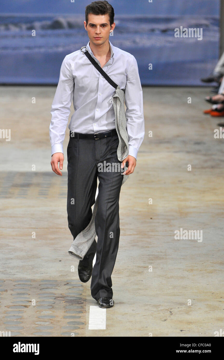 Veronique Branquinho Paris Menswear Spring Summer Model Wearing Grey