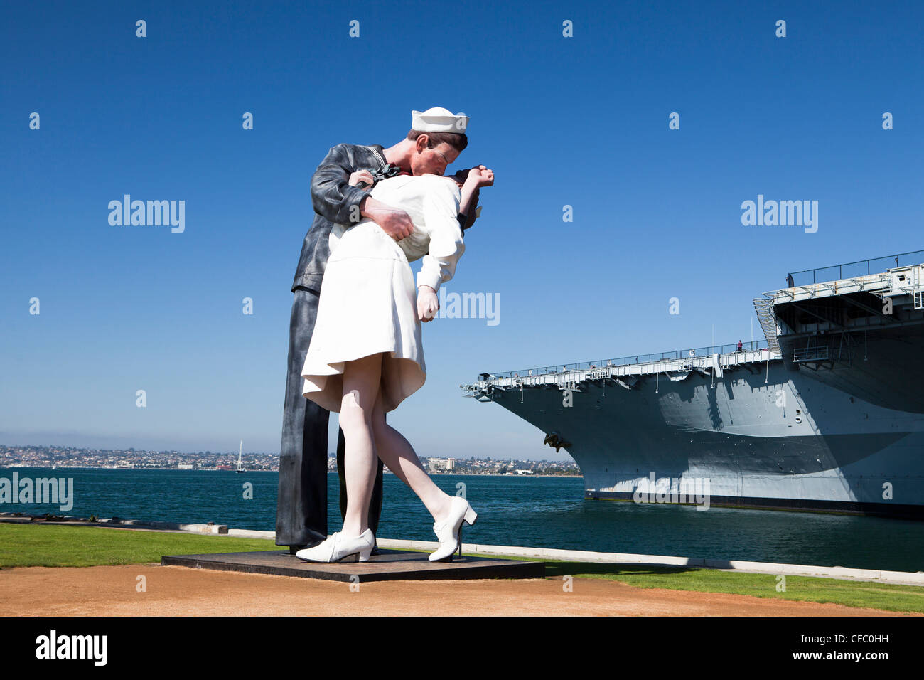 USA, United States, America, California, San Diego, City, US Midway, Theme Park, Sailor, kissing, girl, sculpture, - Stock Image
