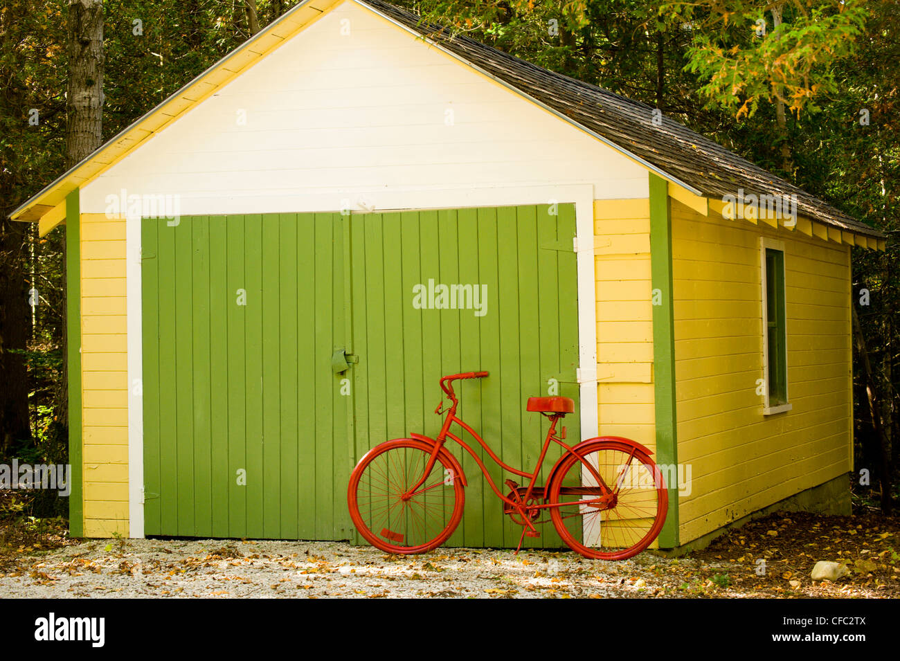 Yellow Barn Door Stock Photos Yellow Barn Door Stock Images Alamy